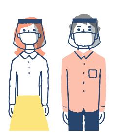 マスクとフェイスシールドしている男女2人