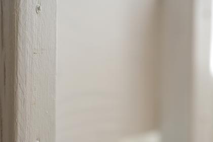 白いペンキの塗られた木材のレトロなグラフィック素材