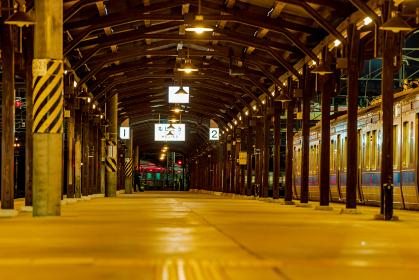 旅情溢れる夜の門司港駅