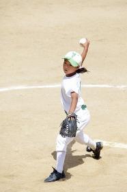 ソフトボール女子投手