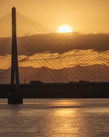 石狩川の朝日(美原大橋)