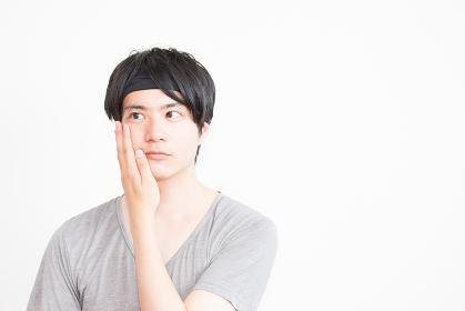 美容イメージ(男性・美容ケア・化粧水・顔)