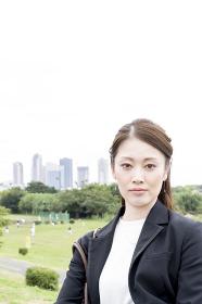 ビジネスイメージ(女性・都市風景)