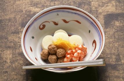 強肴と預鉢
