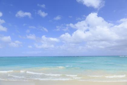 ハワイの青空と海