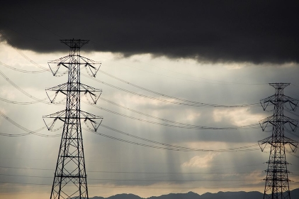 送電線と鉄塔
