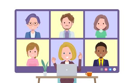 複数人でオンライン会議をしている金髪ビジネス女性のセット。正面アングル