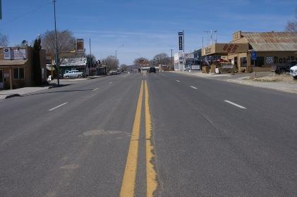 昔ルート66だった直線道路ロサンジェルス方面
