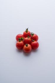 グレー背景 ミニトマト