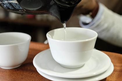 コーヒーの入れ方12:コーヒーカップを温める