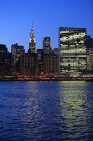 マンハッタン 夜景 スカイライン ハンターズポイント(ロングアイランドシティ)からの眺 ニューヨーク