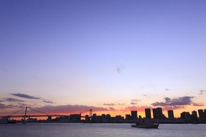 東京港レインボーブリッジ日没パノラマ