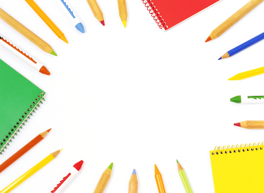 色鉛筆とスケッチブック