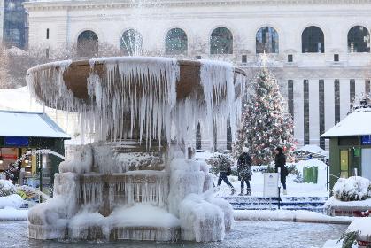 ブライアントパーク クリスマスのころ 雪の風景 in Manhattan ニューヨーク