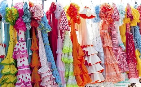 フラメンコのカラフルな衣装