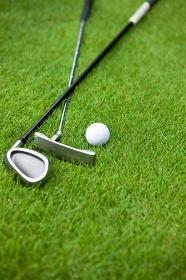 ゴルフクラブとボール