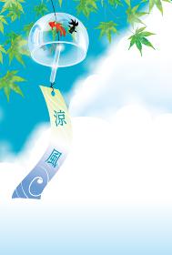 暑中お見舞葉書デザイン素材|緑の楓と白い雲と金魚柄の風鈴のある風景|夏のイメージ