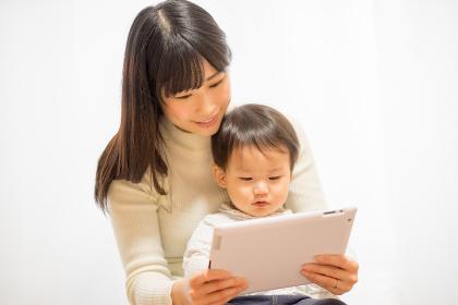 子供・タブレットPC・教育