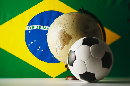 サッカーボール 地球儀 ブラジル国旗