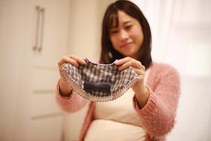 出産準備をする妊婦
