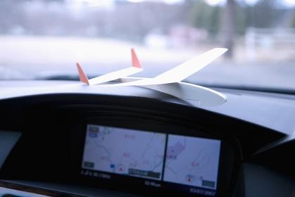 カーナビと紙飛行機