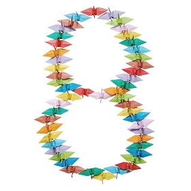 折り紙を並べて作った白バックの数字の8