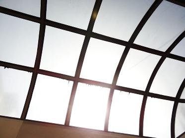 公共施設の採光用の天井