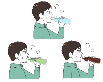 ペットボトルで水分補給 男性