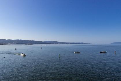 早朝の宍道湖としじみ漁の風景 島根県松江市