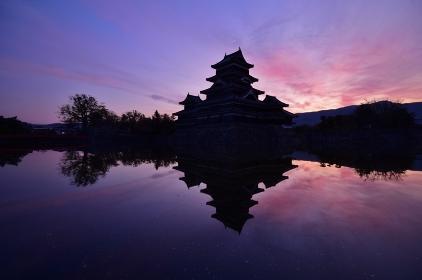 夜明けの国宝 松本城
