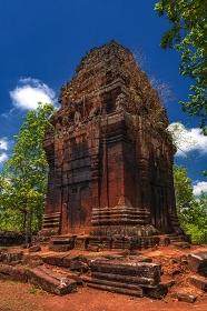 カンボジア・コーケー遺跡群の風景 プラサット・ニエンクマウの風景