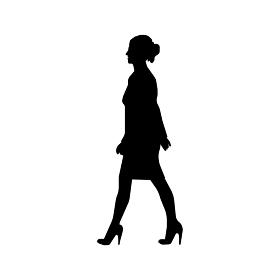 歩いている人物・歩行者 全身(横向き)シルエットイラスト/ 若い女性