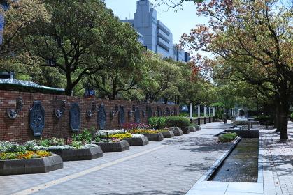 神戸市中央区の「花と彫刻の道」