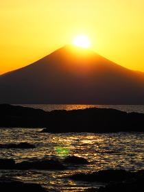 葉山・森戸神社からの富士山のダイアモンド