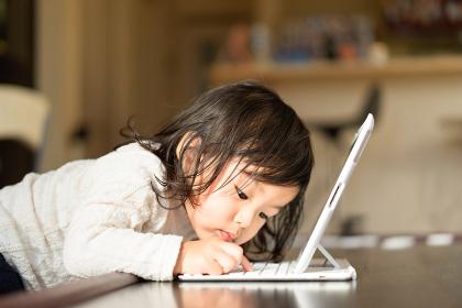 子供とパソコン・PC・タブレット
