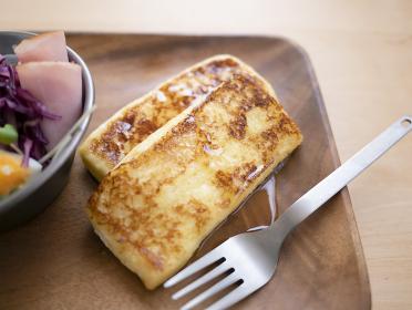 フレンチトーストの朝ごはんイメージ