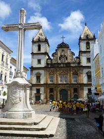 ブラジル・サルバドールにて豪華絢爛なゴシック様式のサンフランシスコ教会正面