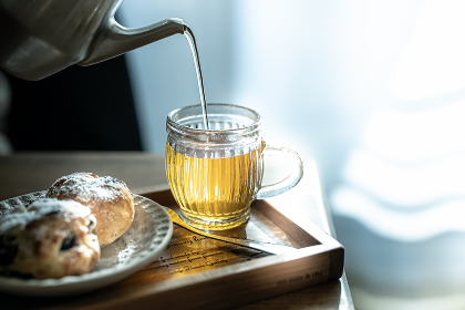 おやつの時間(手作りスコーンとお茶)