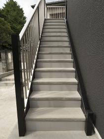 アパートの外階段