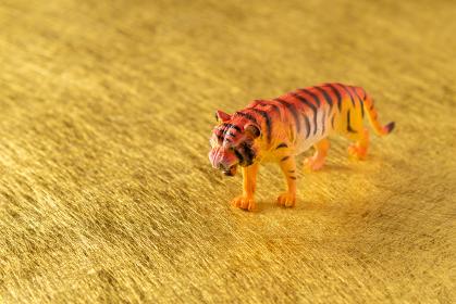 虎 2022年干支 金色の素材