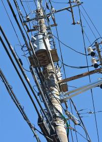 電気通信線