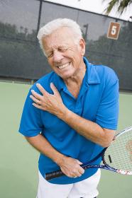 Senior Tennis Player Injures Right Shoulder