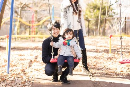 家族イメージ(3人・子ども・女の子)