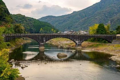 紅葉の綺麗な渓谷耶馬渓
