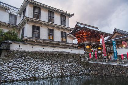 雪の小倉 八坂神社東楼門