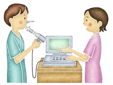 肺機能検査を受ける男性