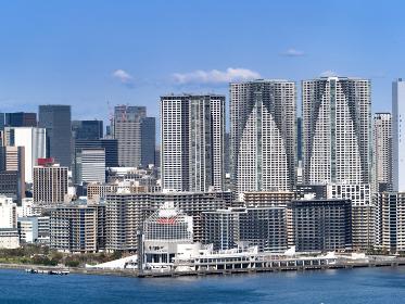 晴海埠頭と高層マンション群 東京都
