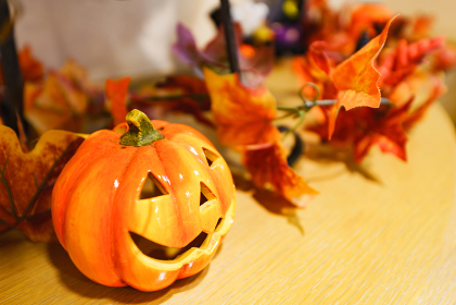 【秋イメージ】ハロウィンのディスプレイ