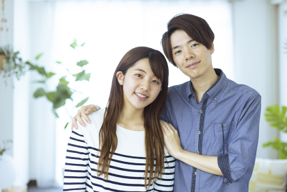 仲の良い日本人の男女