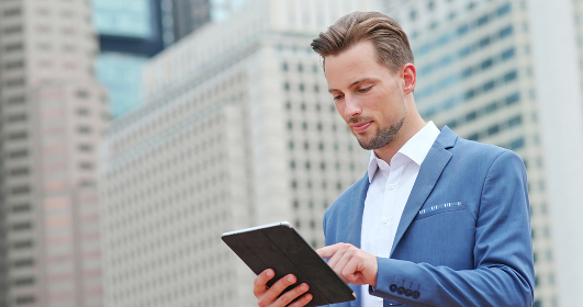 Businessman use of tablet computer